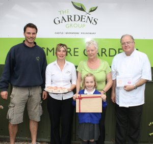 L-R Adam Wallis, Zoe  Rendell (Sous Chef) Kaye Ridger (Imogens gran) Peter Moore (head chef) and Imogen Gummo, Cup Cake competition winner